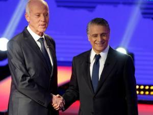 التونسيون يختارون ساكن قصر قرطاج.. القروي أم سعيد؟