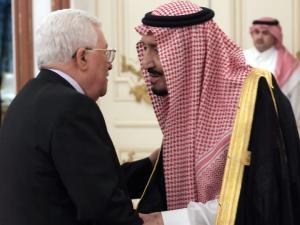 هذا ما قاله عباس للملك سلمان بن عبد العزيز بشأن الارهاب