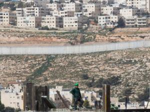 إسرائيل ستسمح للمستوطنين بتملك أراض في الضفة الغربية