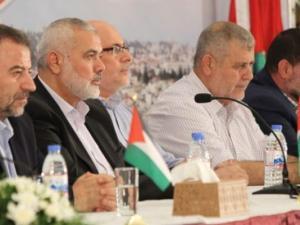 حماس تبحث التهدئة والمصالحة مع فصائل فلسطينية
