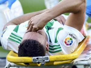 هكذا تضامن ريال مدريد مع لاعب عربي تعرض لإصابة قوية