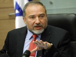 ليبرمان: سنعود لسياسة الاغتيالات في غزة