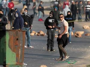 اصابة مواطنين برصاص الاحتلال خلال مواجهات جنوب نابلس