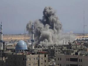 إسرائيل اليوم: حماس تتأهب وتحذر من عملية جوية قبل يوم الأرض