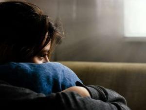 الشباب يشعرون بالوحدة أكثر من كبار السن