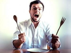 لماذا نشعر بالغضب عند الجوع؟