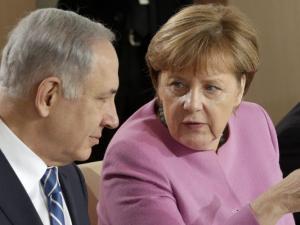 ميركل: لن نقتدي بواشنطن وننقل سفارتنا إلى القدس