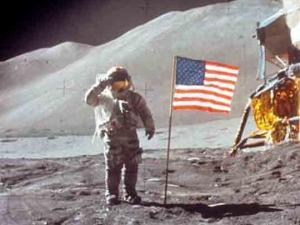 لماذا لم يزر أحد القمر منذ أكثر من 45 سنة؟