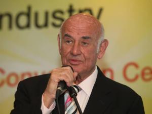 رئيس الشاباك السابق: وقف تحويل الأموال لغزة سيكون وقوداً لتوتر وتصعيد كبير