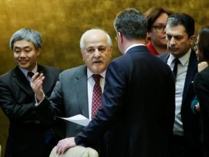 رياض منصور: واشنطن تبحث تشكيل إطار دولي للسلام