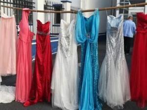 رجل مطلق يسرق 73 فستان زفاف.. والسبب غريب