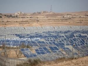 الجيش الإسرائيلي يزود مواقعه العسكرية بالطاقة الشمسية