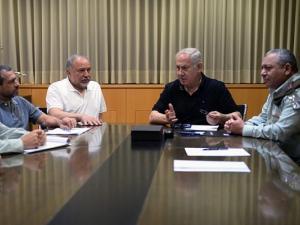 تصاعد معركة تعيين قائد جيش الاحتلال بن نتنياهو وليبرمان