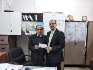 بنك القدس  يقدم تبرعاً لصالح لجنة زكاة طولكرم