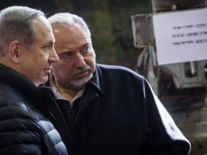 """الساحة السياسية بـ""""إسرائيل"""".. وتوتر وسجال بسبب غزة"""