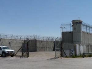 توتر مستمر في السجون بعد استشهاد عويسات