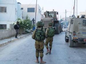 عقب عمليات الهدم الواسعة.. الاحتلال يقتحم مخيم شعفاط مجدداً