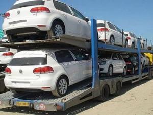 ترامب يهدد بفرض رسوم بنسبة 20% على السيارات المستوردة من الاتحاد الأوروبي