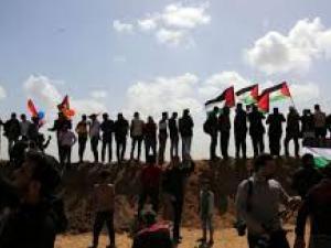"""الفلسطينيون يستعدون لجمعة """"صمودنا سيكسر الحصار"""""""