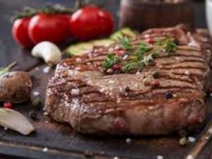 هكذا يرتبط تناول اللحوم الحمراء بخطر الإصابة بسرطان الأمعاء