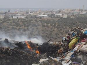 إسرائيل تحول الضفة الغربية إلى مكب ضخم للنفايات السامة