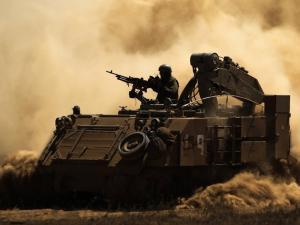 الاحتلال يستدعي عدد من جنود الاحتياط وقوات المشاة وسلاح المدفعية لحدود القطاع