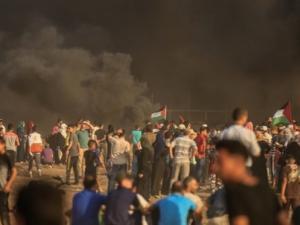 52 إصابة بينهم 2 خطيرة خلال قمع الاحتلال للمتظاهرين السلميين شرق قطاع غزة