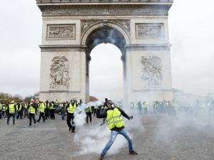 تأهب فرنسي استعداداً لاحتجاج السترات الصفراء الرابع