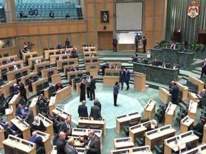 """""""مغامرة"""" البحر الميت بعد 21 جثة: برلمان الاردن يحصّن وزيرين من المساءلة القانونية"""