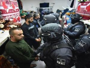 """الاحتلال يقرر زيادة """"قوات القمع"""" لمواجهة إضراب الأسرى"""