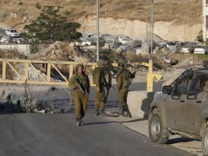 الاحتلال يفرض حصاراً شاملاً على قرية دير نظام شمال رام الله