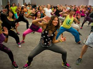 ما الأسباب التي تجعل من ممارسة الرقص أداة لتحسين حياتك؟